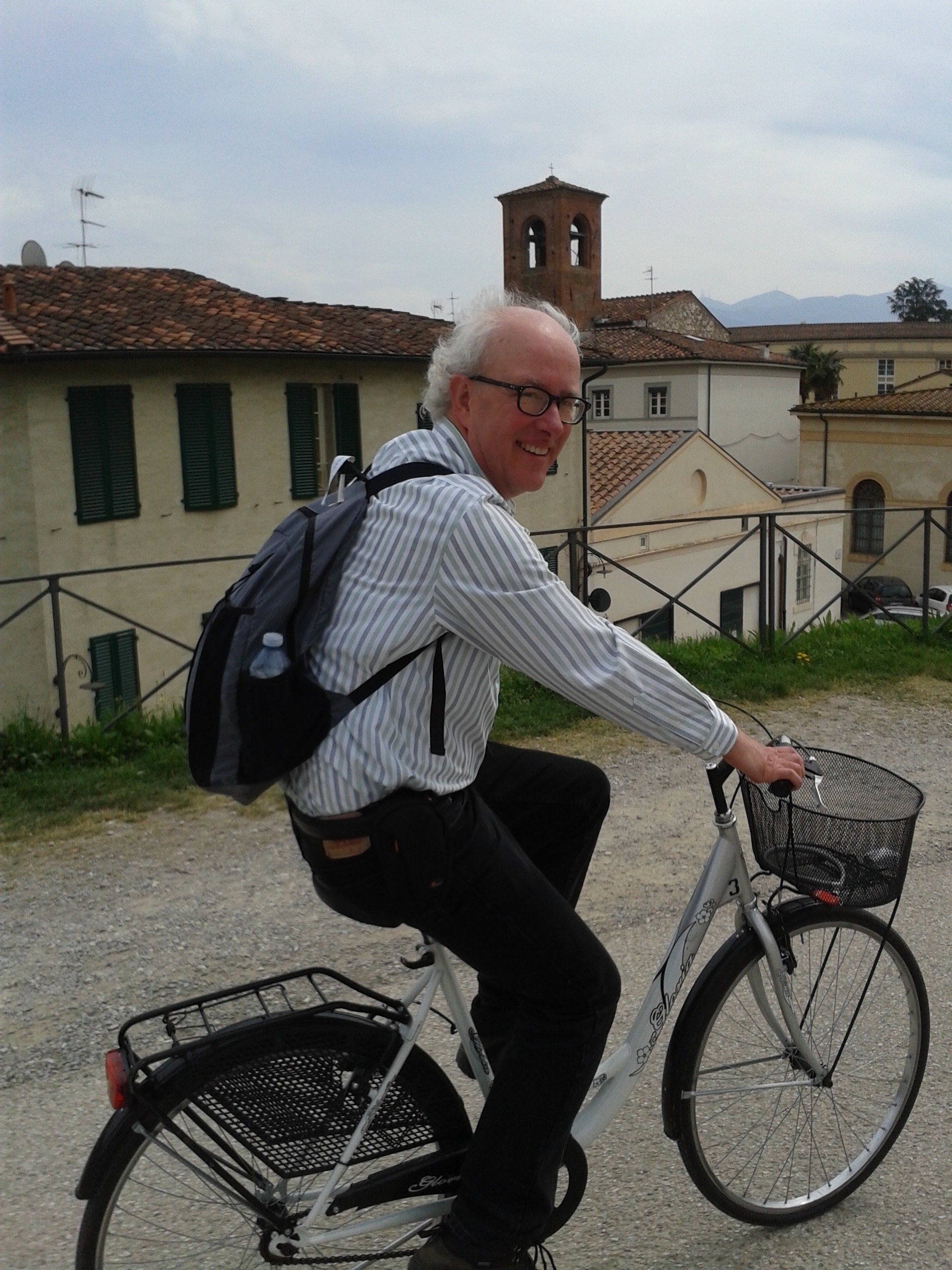 cycling the wall in Lucca.jpg