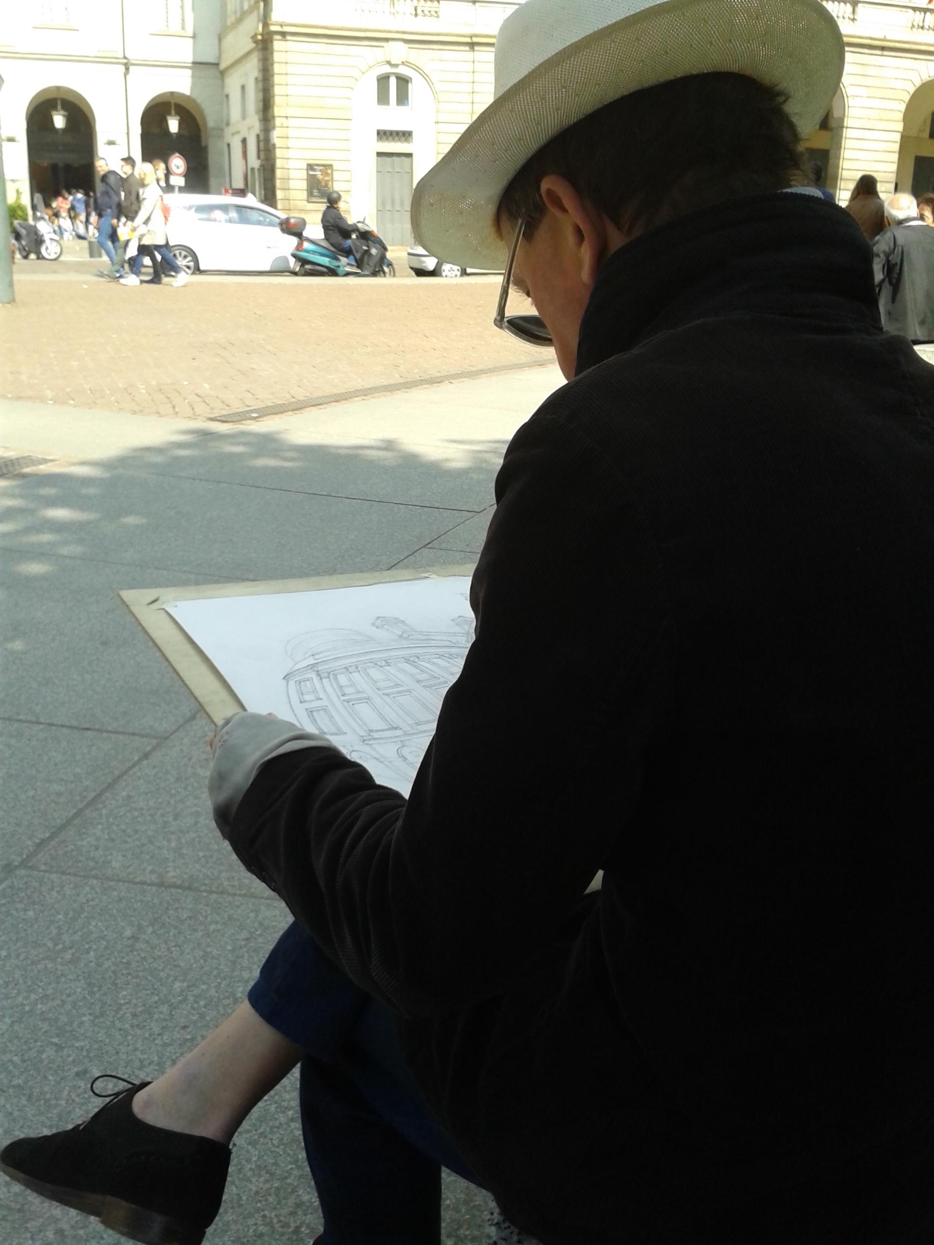 artist in Milan.jpg