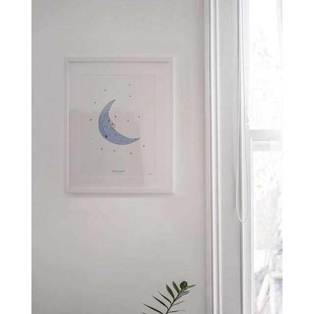 🌜⭐️ I had the pleasure of creating this piece for 2 very lovely friends ✨ who will soon welcome a very lucky little human into the world 🌜⭐️