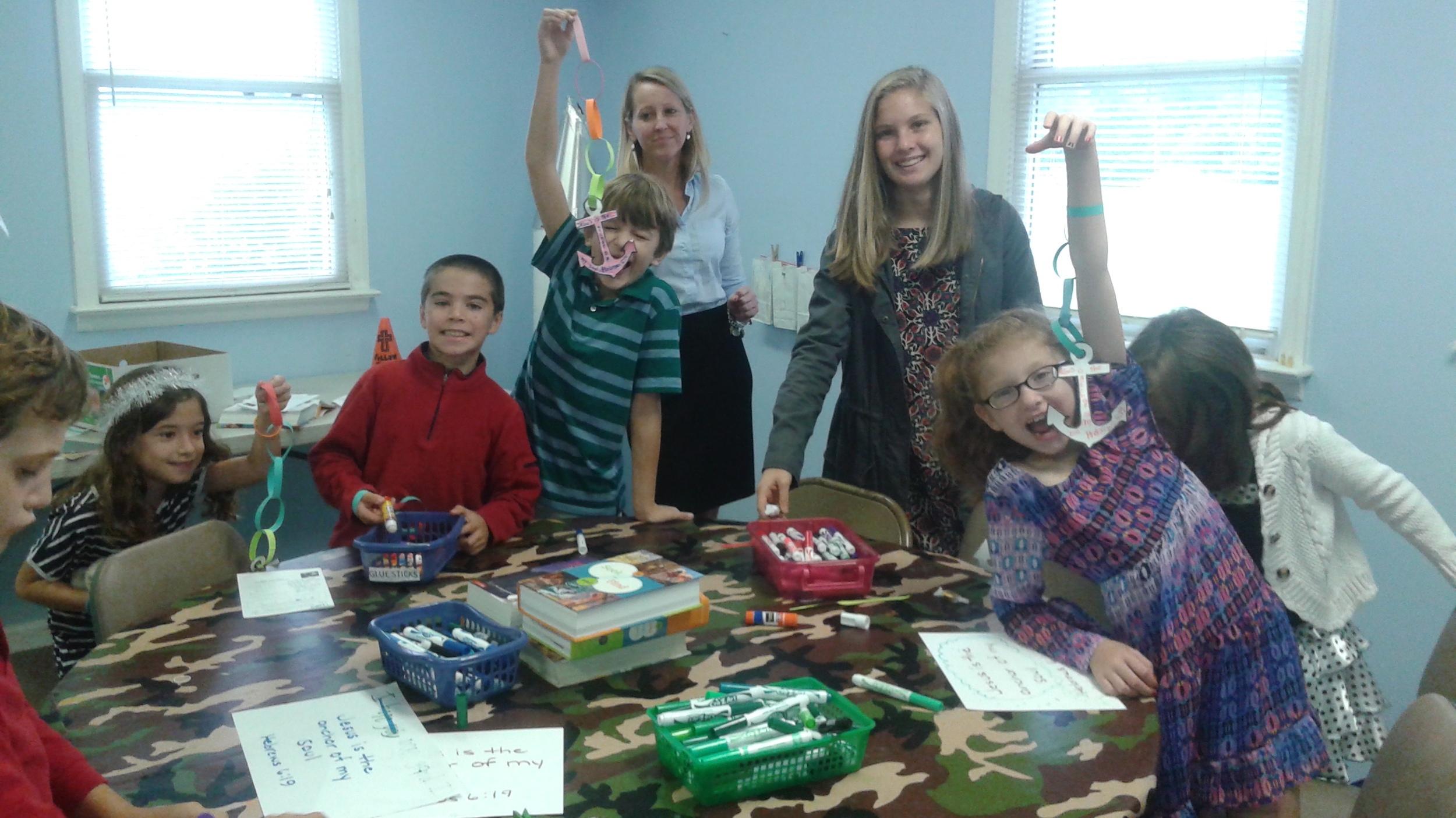 2nd and 3rd graders make anchors.