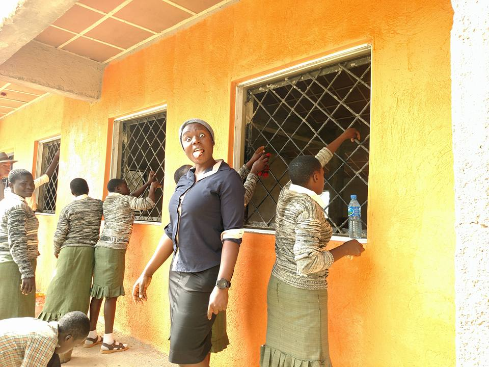 Sweet Igweonu Ekene Loretta brought her students to help.jpg