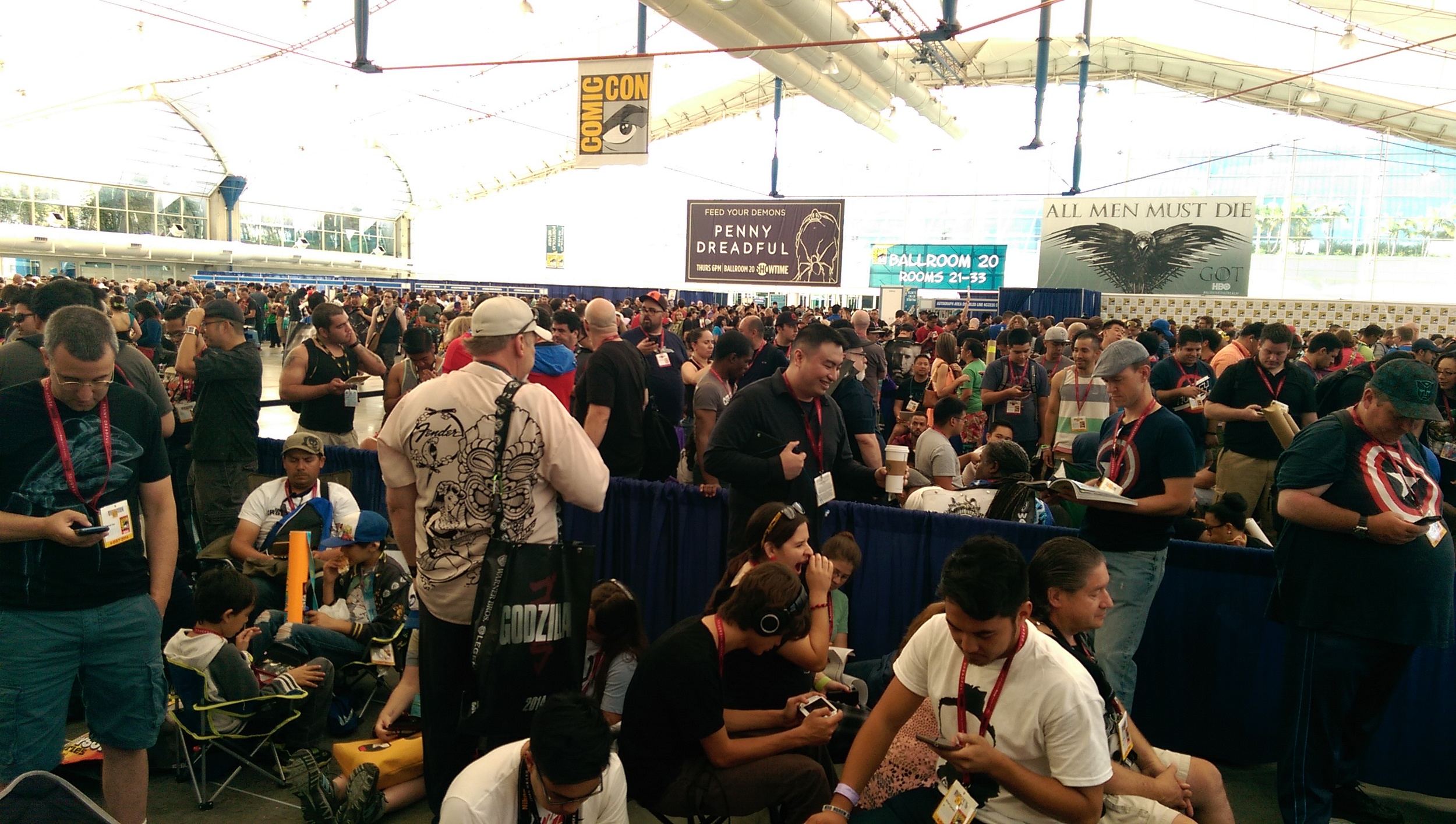 Referred to as Line-Con, this is where you meet & chat with other geeks making temporary friendships.