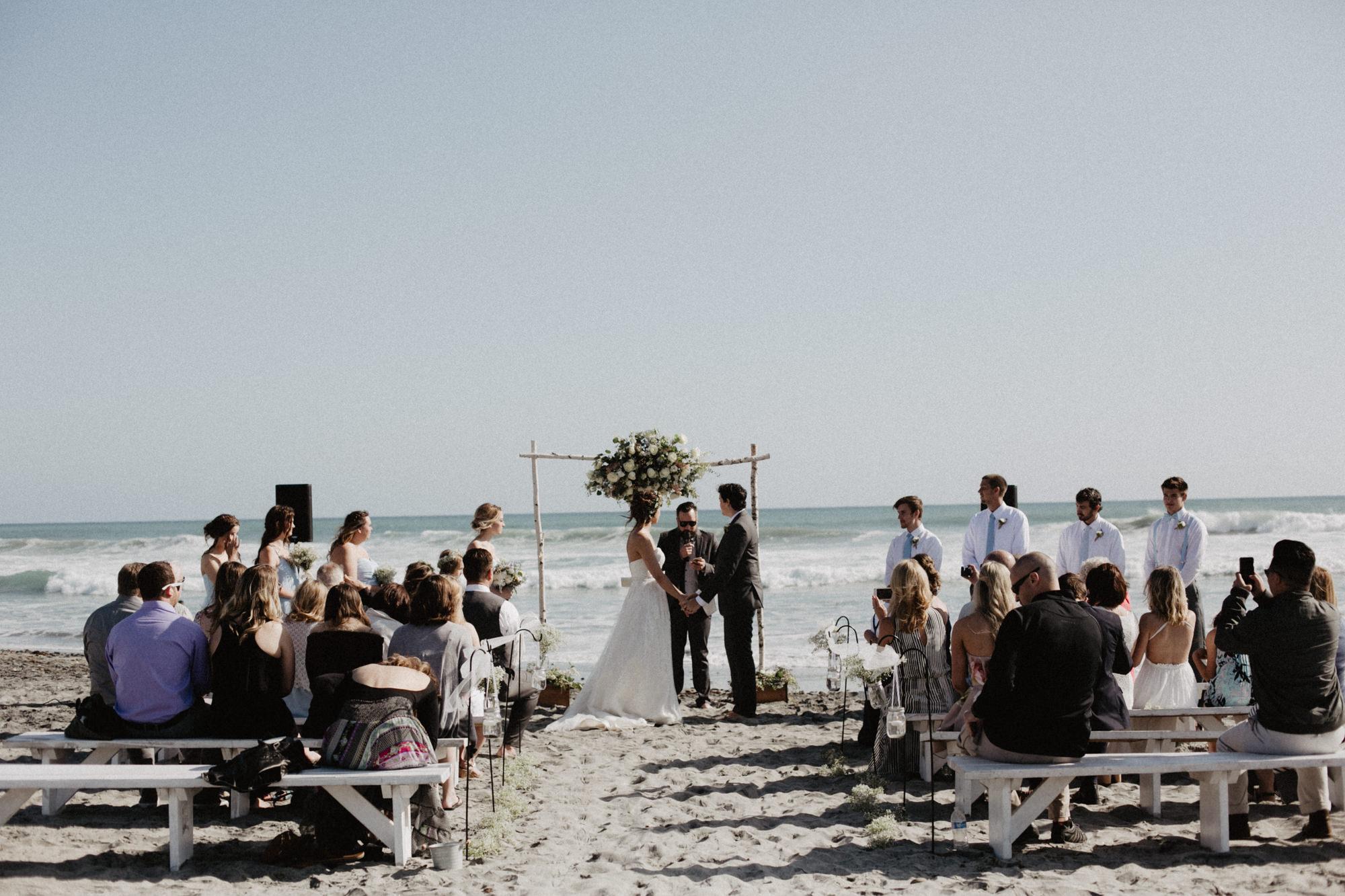 oceanside_airbnb_wedding-25.jpg