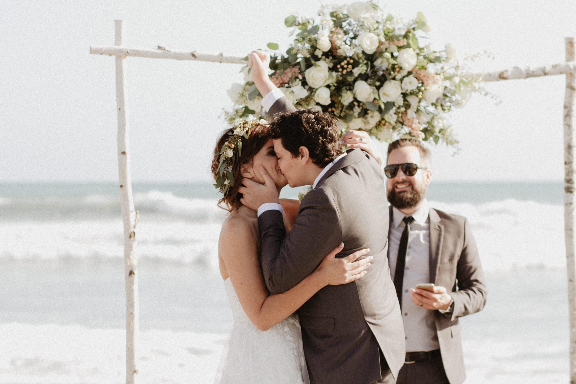 oceanside_airbnb_wedding-34.jpg