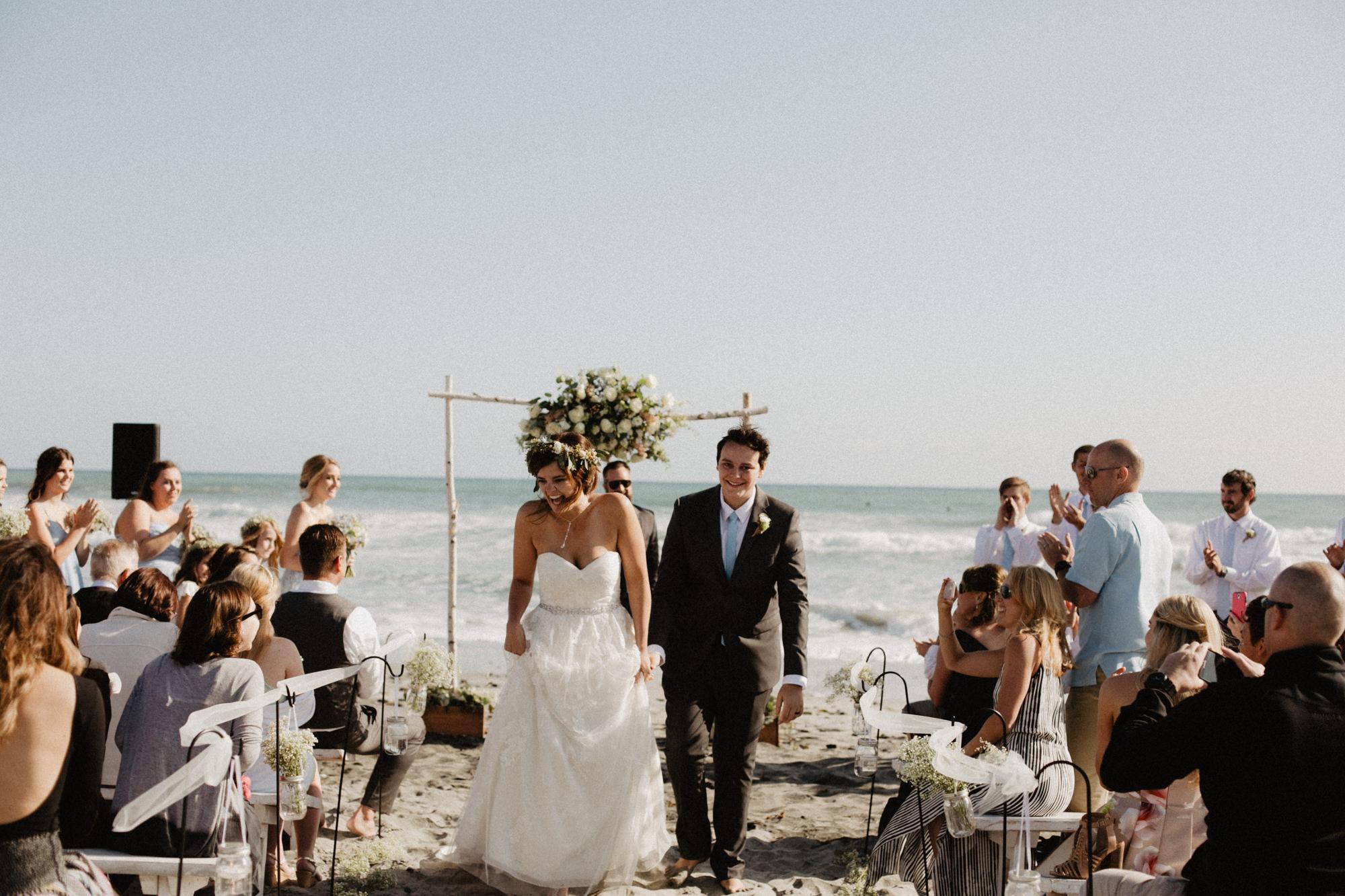 oceanside_airbnb_wedding-35.jpg