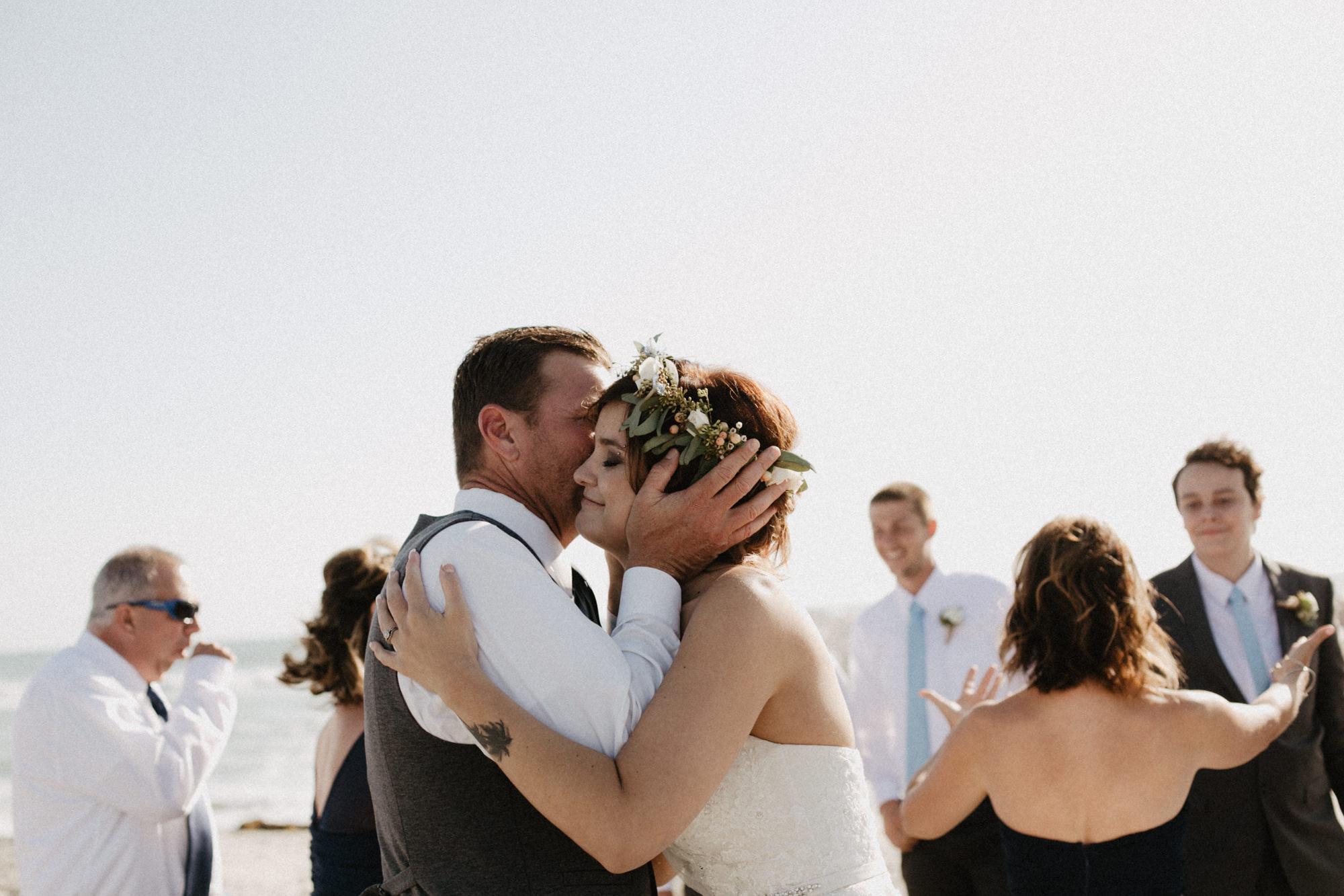 oceanside_airbnb_wedding-37.jpg
