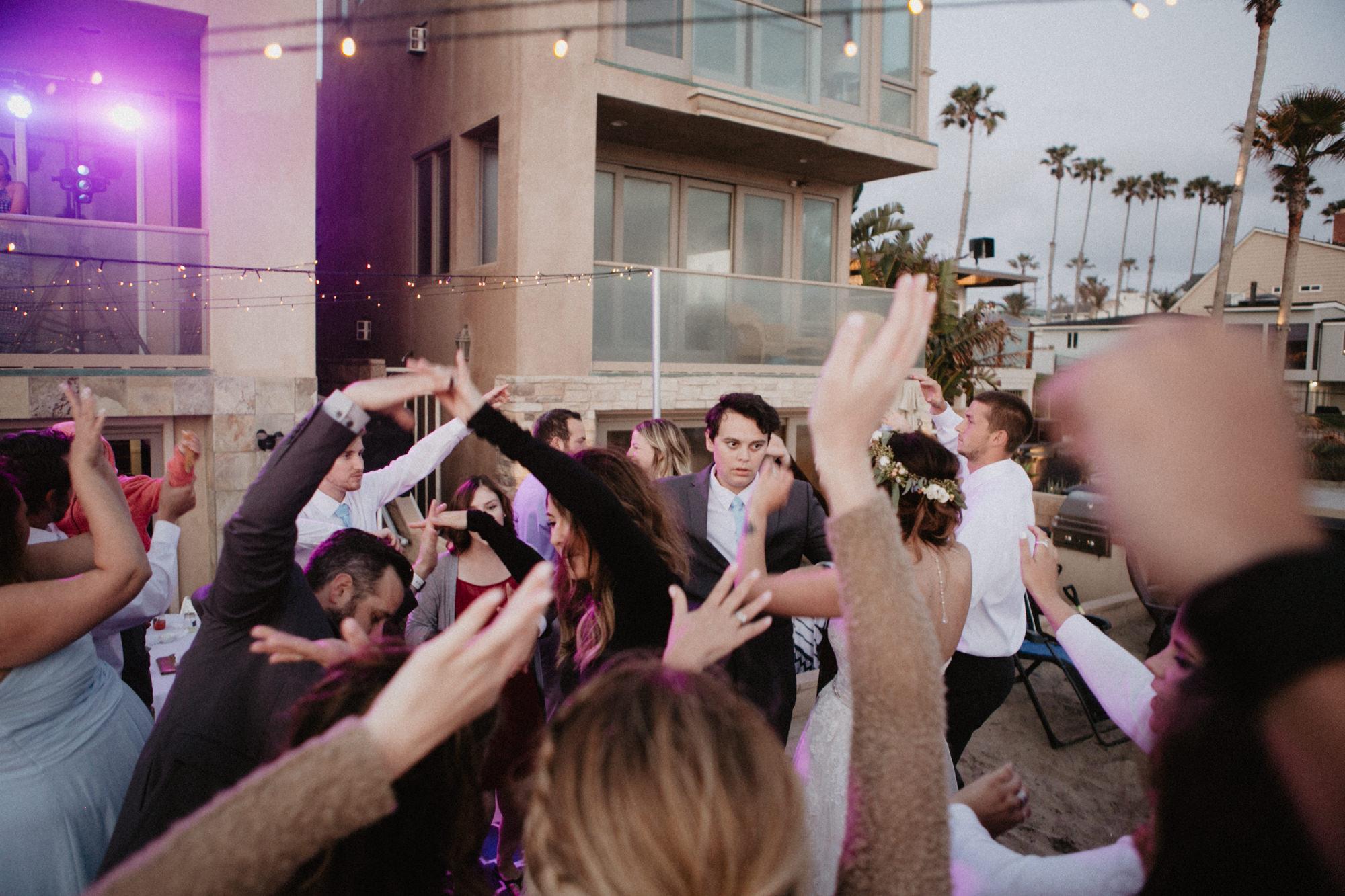 oceanside_airbnb_wedding-68.jpg