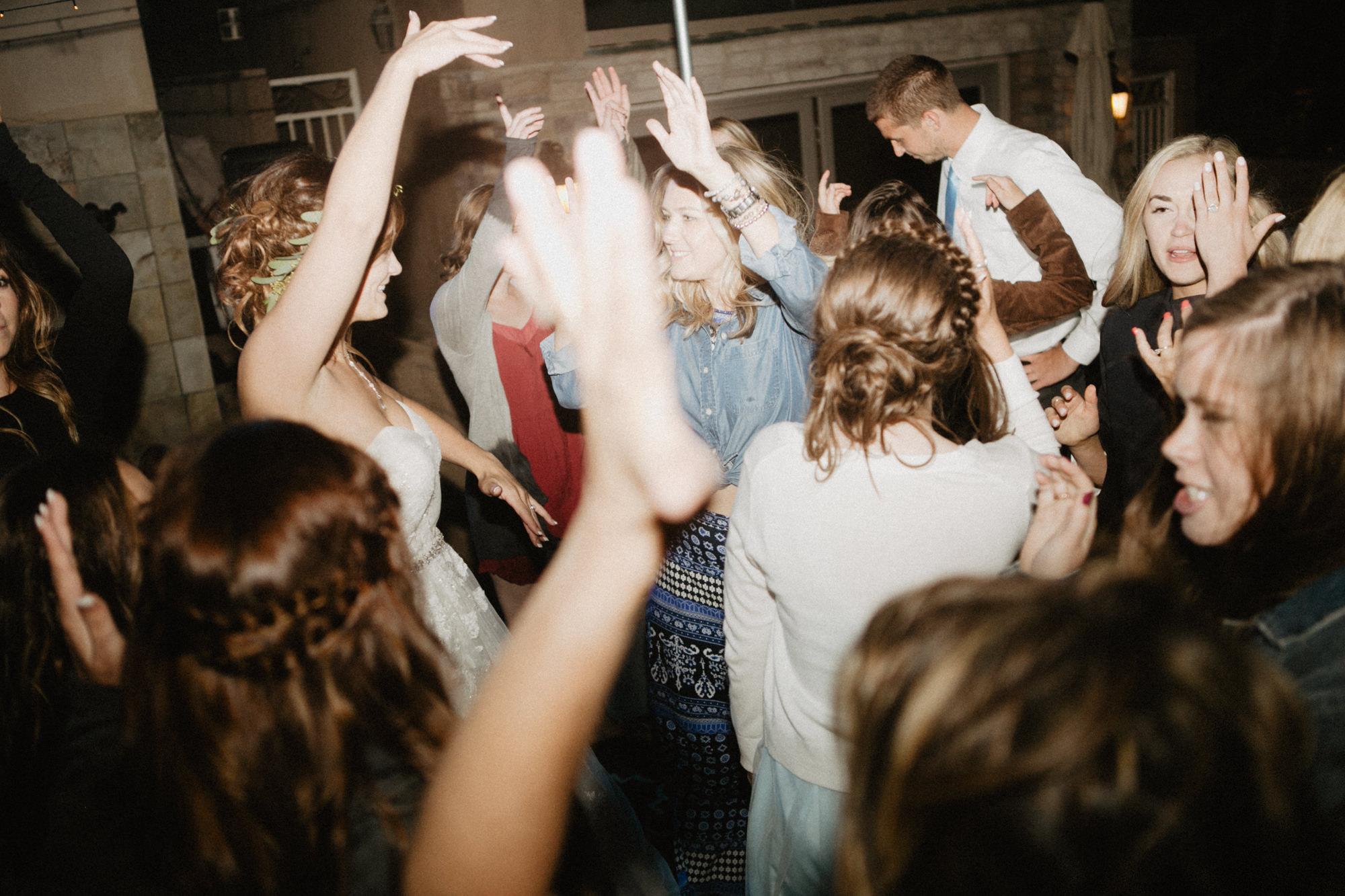 oceanside_airbnb_wedding-70.jpg