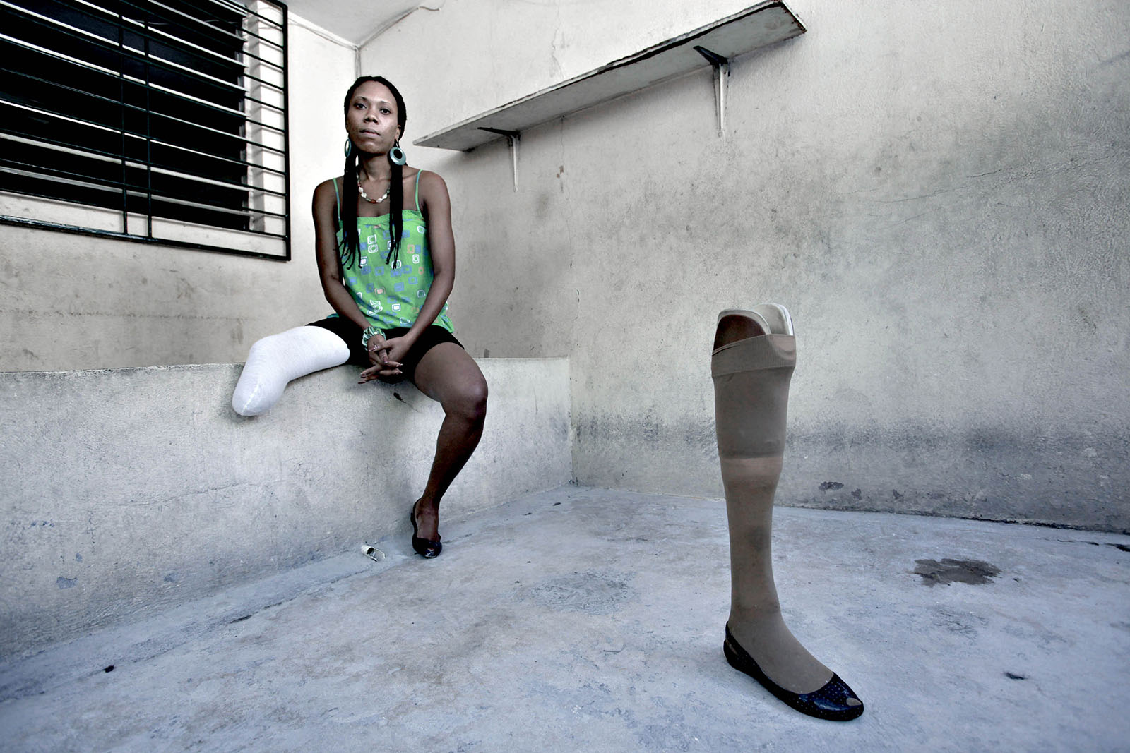 Fabienne worked as a ballet dancer but lost her leg in the earthquake.