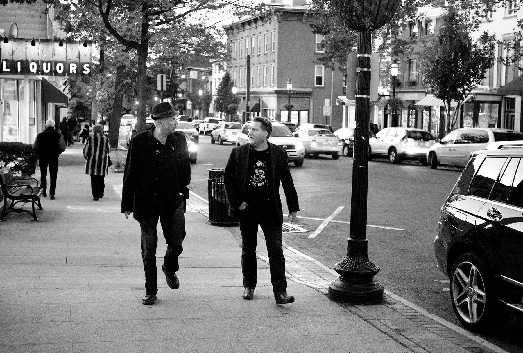Mats Olsson och Eirik Mosveen i Tarrytown på väg till Merle Haggard-konserten den 4 november, 2013.