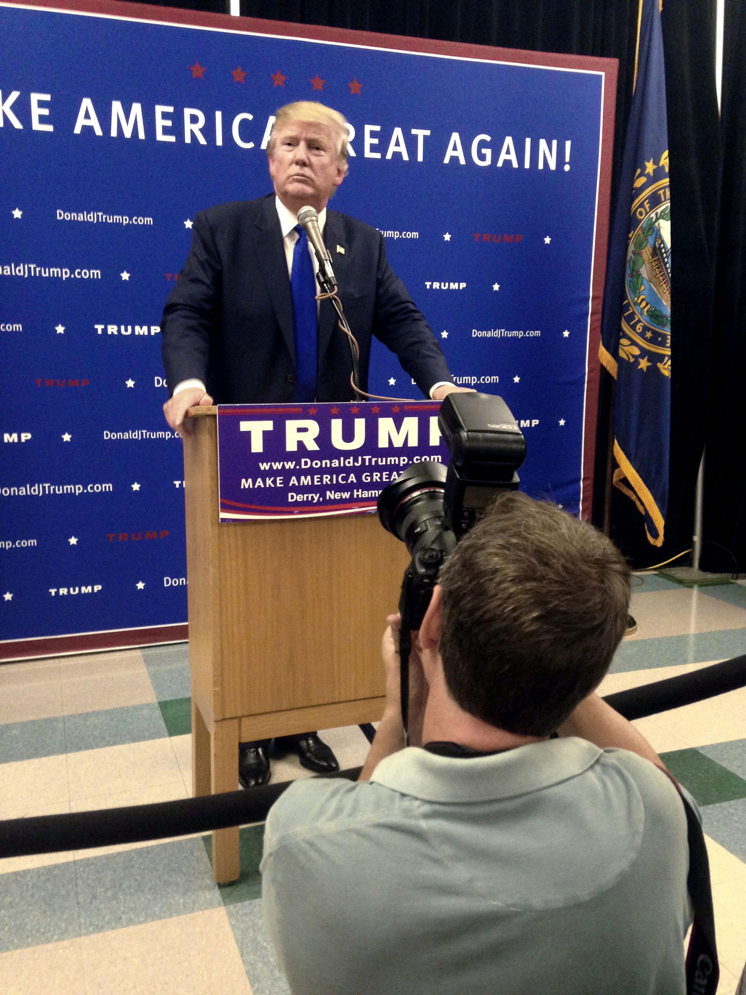 August, 2015: Jag fotograferar Donald Trump under ett valmöte i  Derry, New Hampshire. Foto: Marianne Vikås