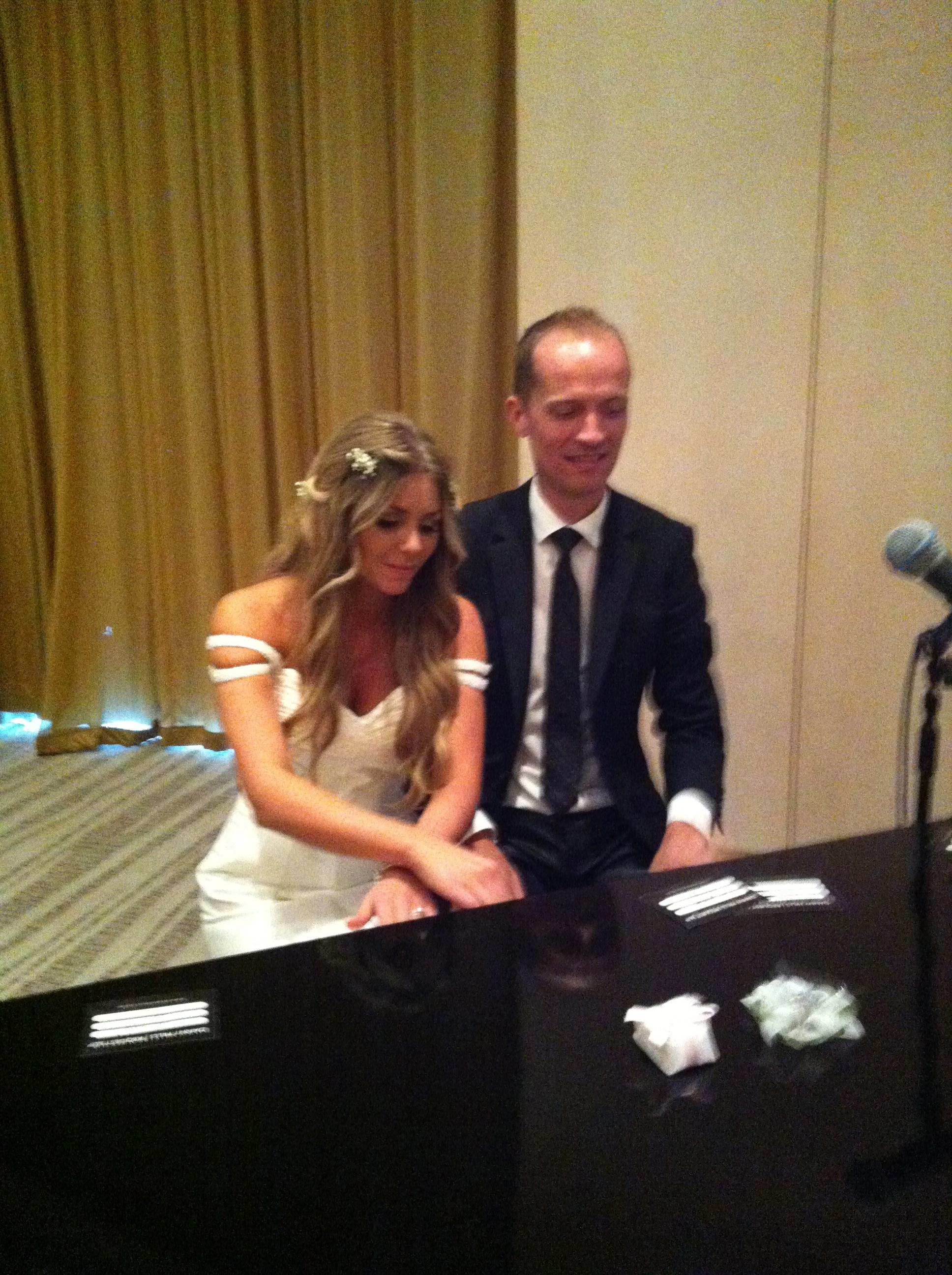 Brides impromptu singing