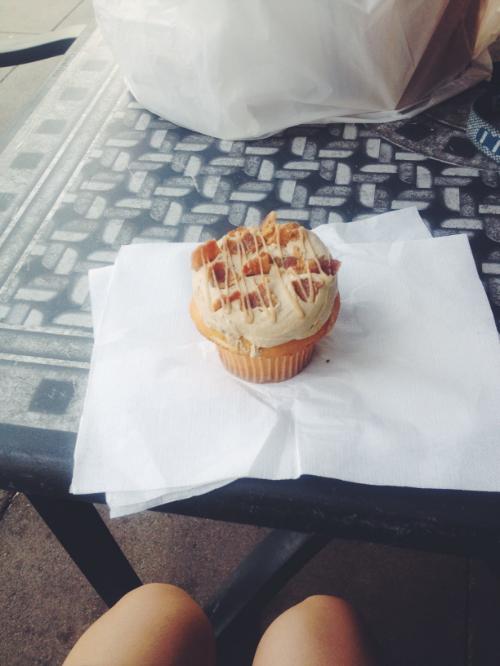 maple-bacon-cupcake
