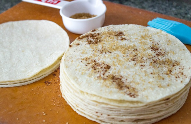 healthy-baked-cinnamon-tortilla-chips2.jpg