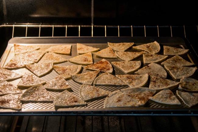 healthy-baked-cinnamon-tortilla-chips3.jpg