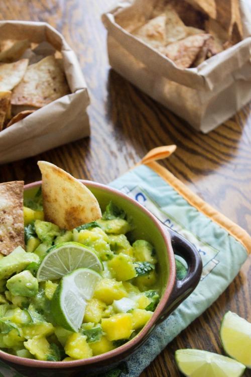healthy-baked-cinnamon-tortilla-chips