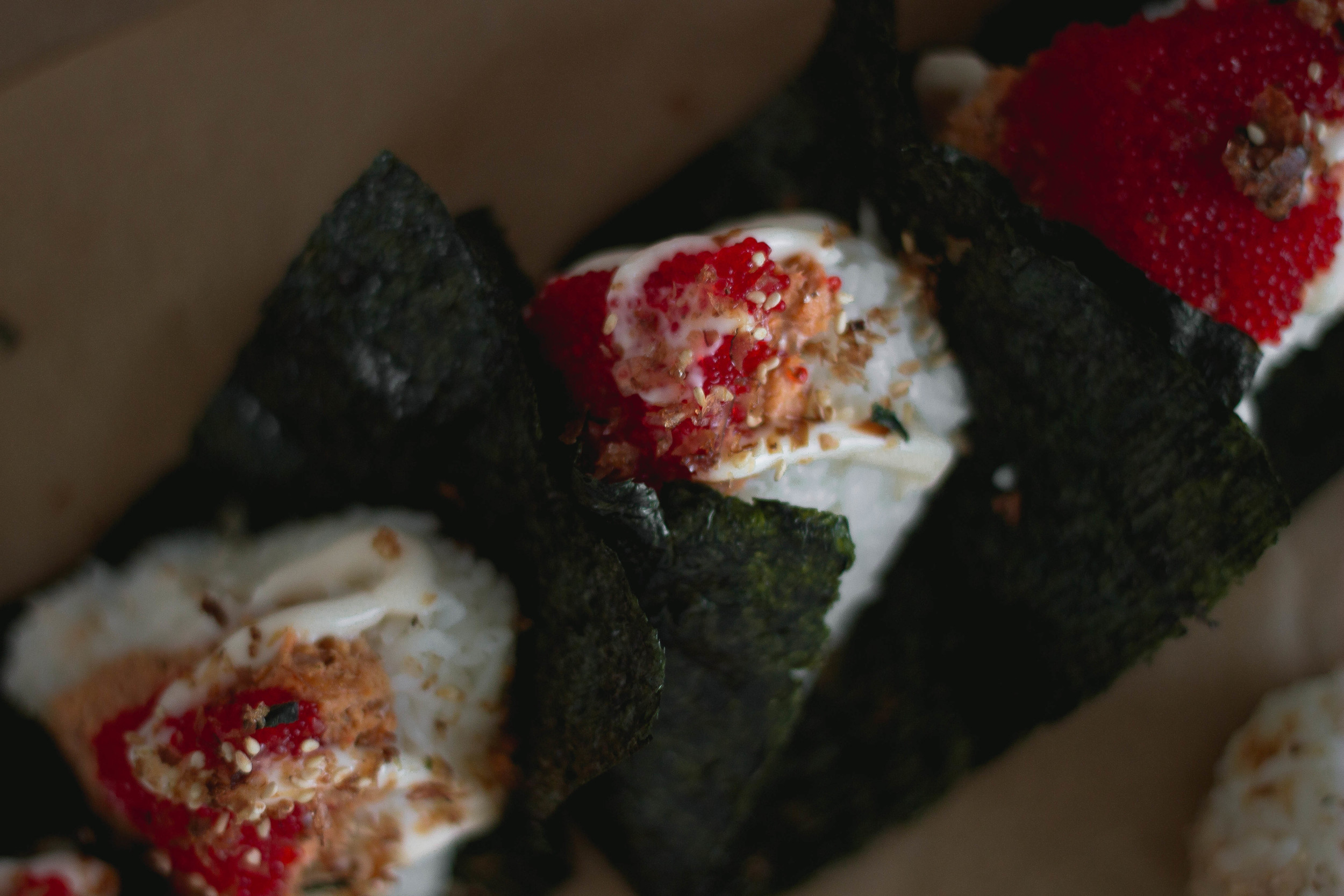 Super easy spicy salmon onigiri or omusubi recipe on a budget | by fit for the soul