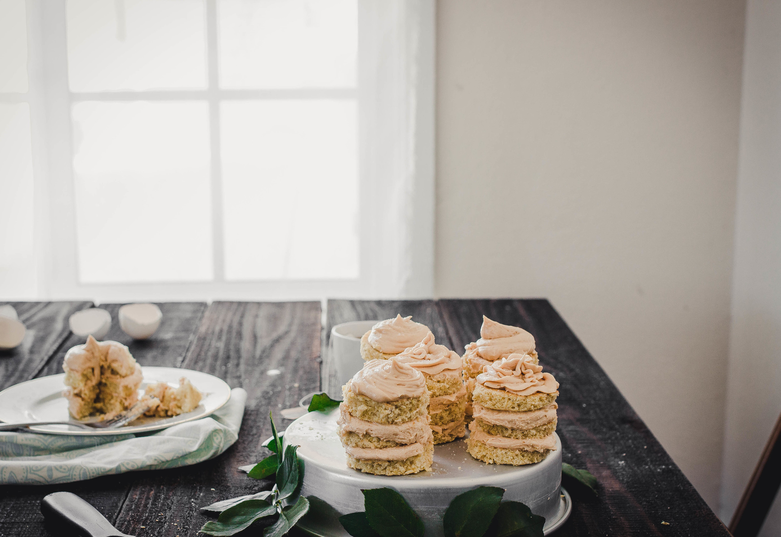 Table Setup for Mini Cakes with Dulce de Leche Buttercream Frosting | by fit for the soul