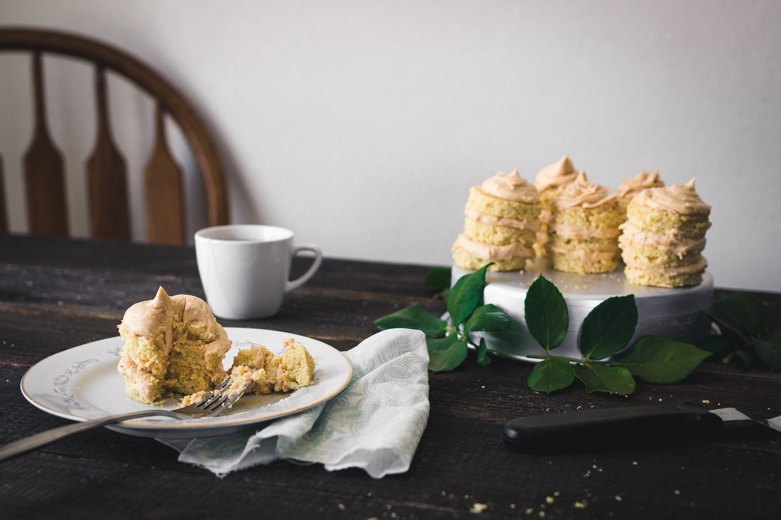 Food photography for Mini Cakes with Dulce de Leche Buttercream Frosting | by fit for the soul