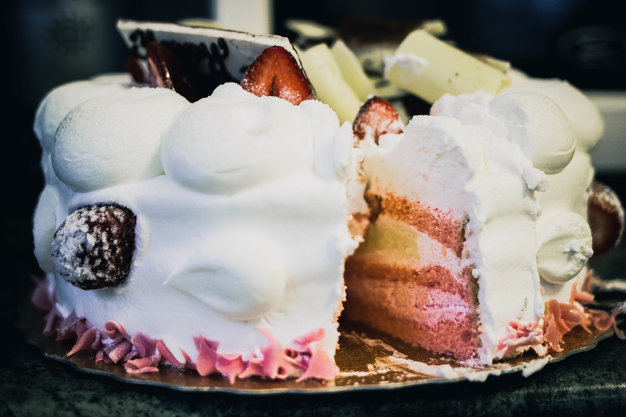 85C Degrees Bakery Strawberry Cake | by fit for the soul