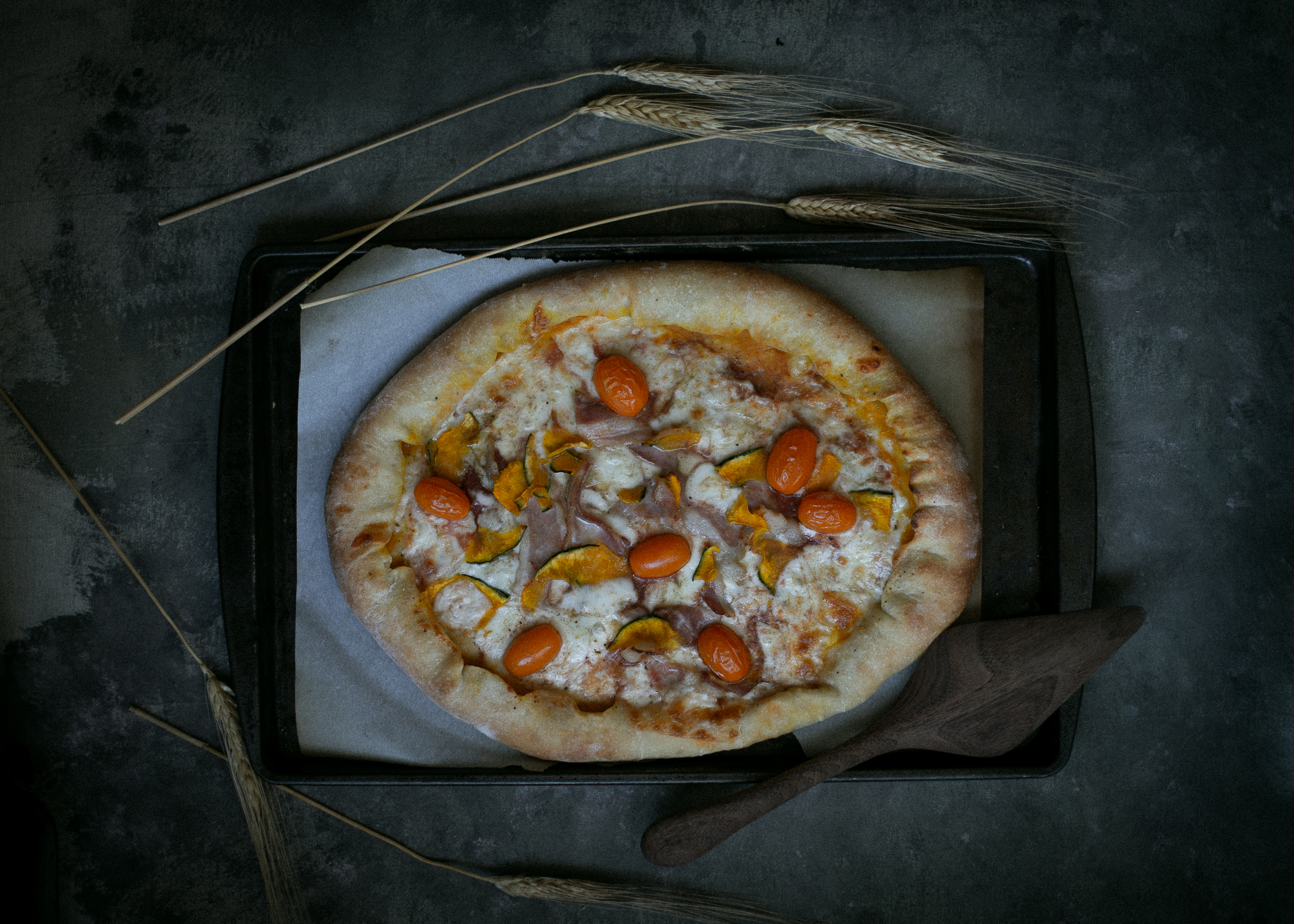Sweet kabocha filling stuffed crust pizza, Korean-American fusion | from scratch, mostly blog