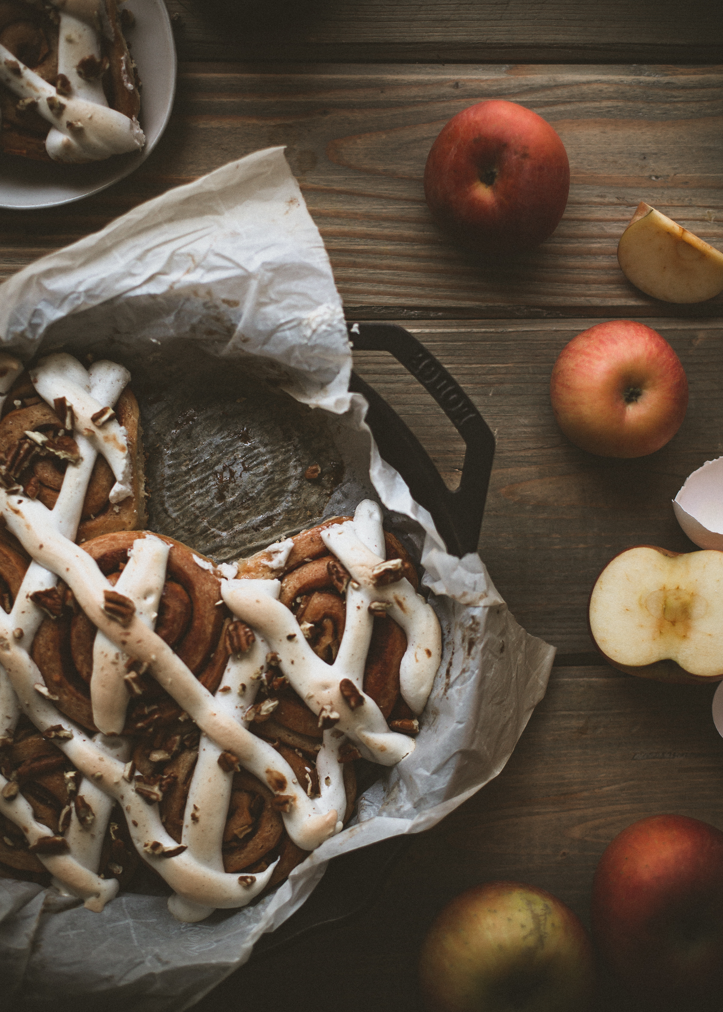 best apple cinnamon rolls recipe, with toasted meringue