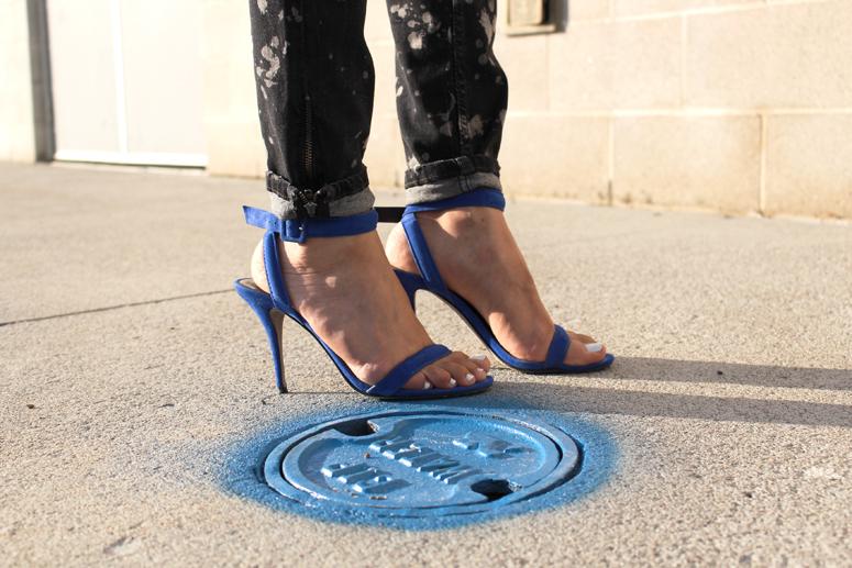 WoahStyle.com | Zara jeans and Alexander Wang Antonia heel in royal blue