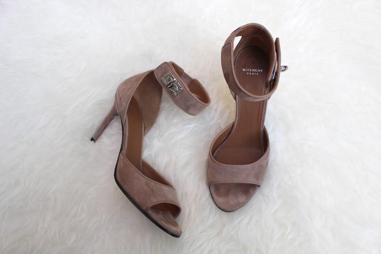 WoahStyle.com | Street Style Givenchy Tan Suede Shark Lock Sandal