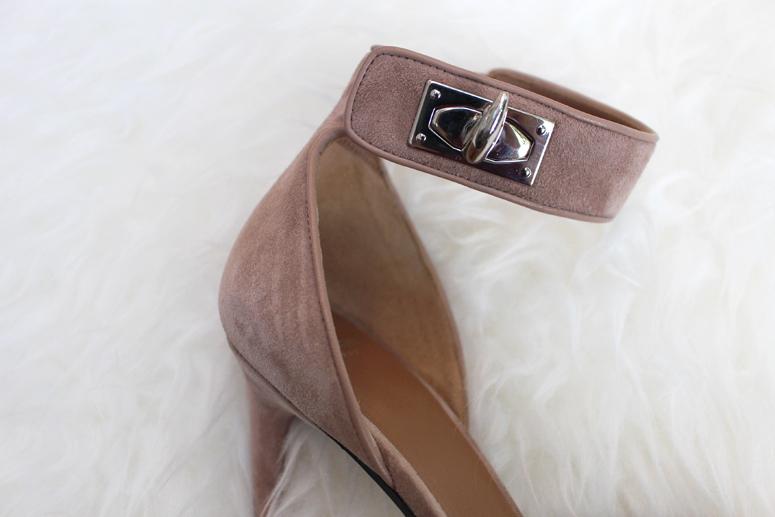 WoahStyle.com | Givenchy Tan Suede Shark Lock Sandal