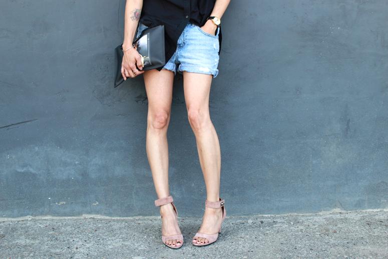 WoahStyle.com | Givenchy Antigona Bambi pouch, Givenchy nude shark lock sandals, denim shorts and black button up shirt. Street Style