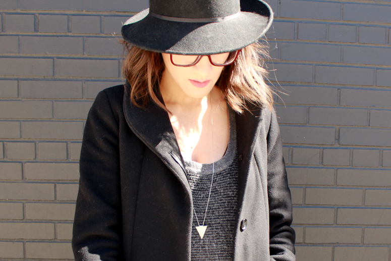 WoahStyle.com | Topshop hat, Aritzia Cocoon coat, Alexander Wang knit tunic#fallforus #streetstyle