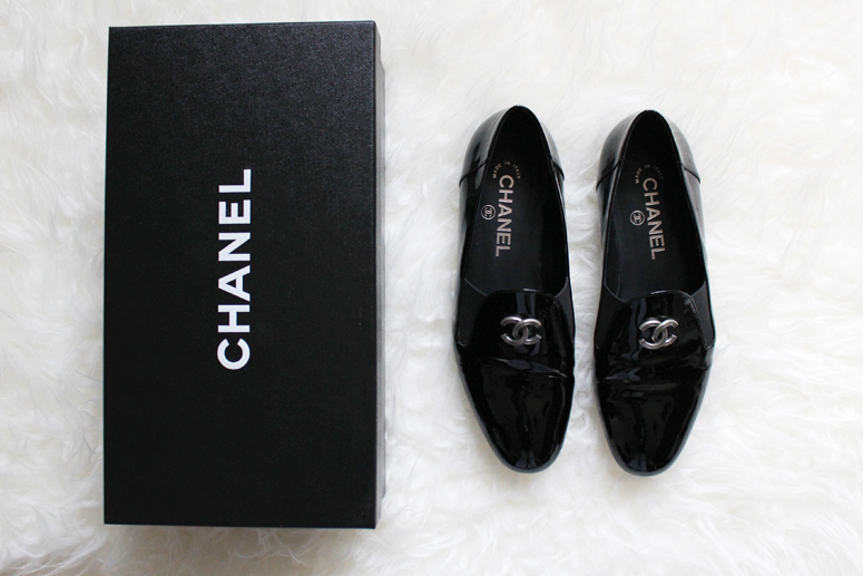 WoahStyle.com | Chanel patent leather Moccasin loafers with signature CC logo
