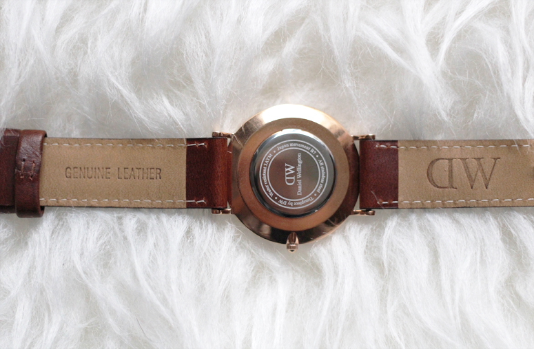 WoahStyle.com | Daniel Wellington Classic St. Andrews Lady watch in Rose Gold, luggage coloured leather band, back of watch details