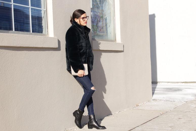 WoahStyle.com | Zara navy faux fur, ripped jeans and black Alexander Wang boots #streetstyle #streetwear