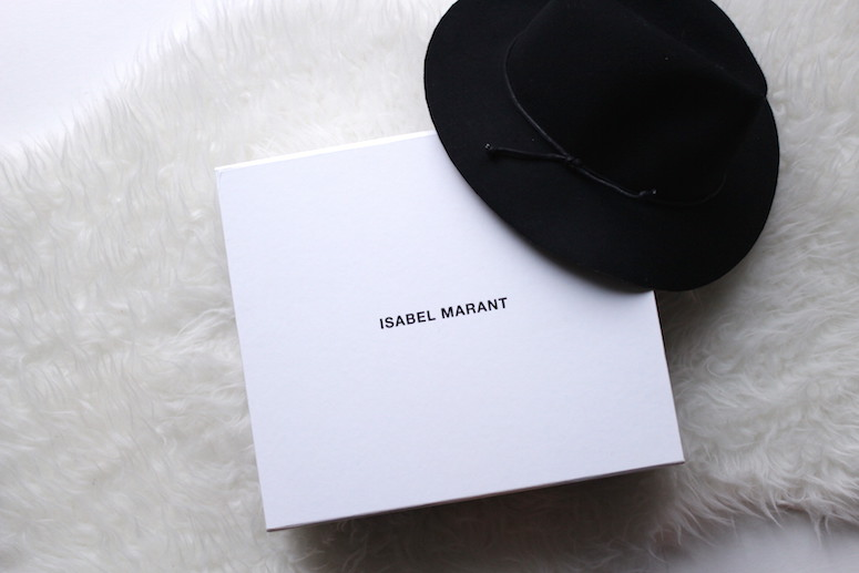 WoahStyle.com | Isabel Marant Angie boot in grey and navy