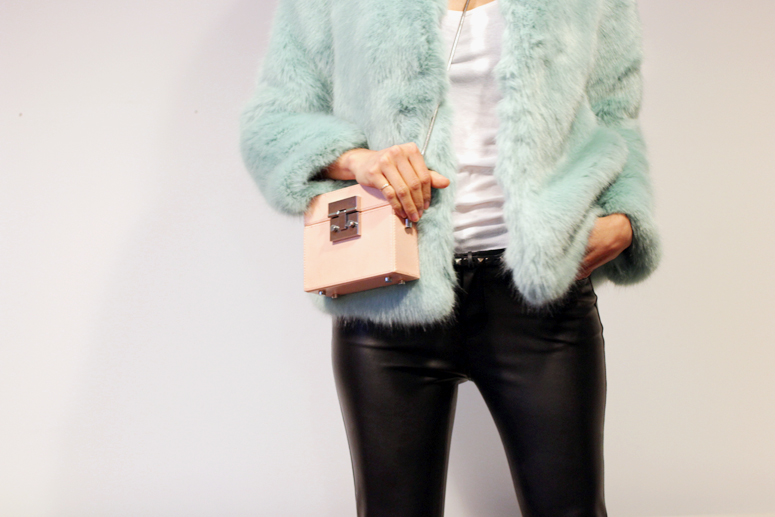WoahStyle.com| How to wear (faux) leather pants  - with mint coloured faux fur and Saint Laurent Paris loafers