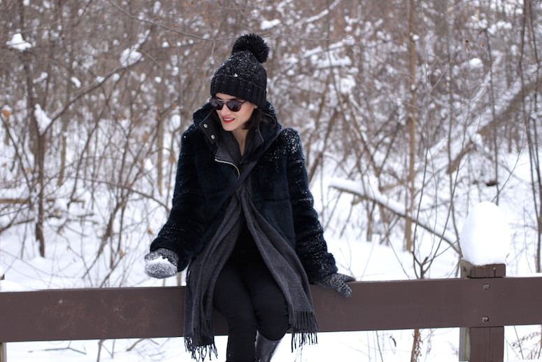 WoahStyle.com | Snow Style, Zara faux fur and black pompom beanie