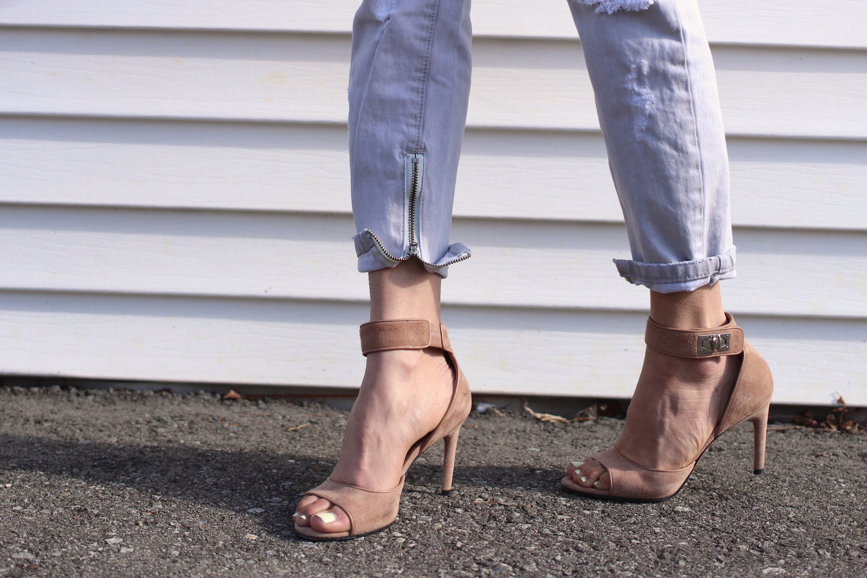 WoahStyle.com | One Teaspoon jeans from Mendocino & nude Givenchy shark tooth heels