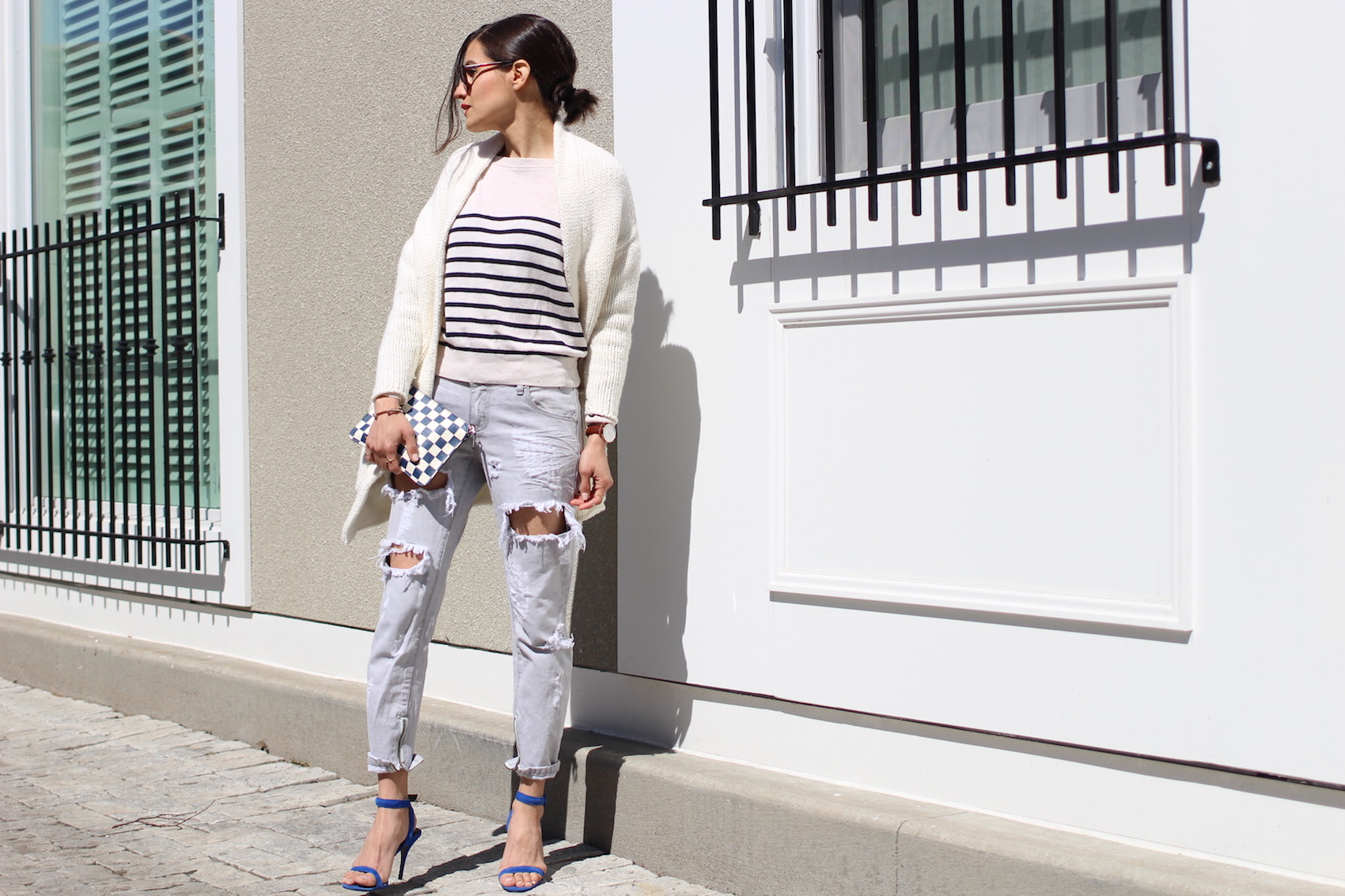 WoahStyle.com | One Teaspoon jeans from Mendocino, Toronto, blue Alexander Wang Antonia heels/ sandals, blue and white checkered pouch from Marc by Marc Jacobs