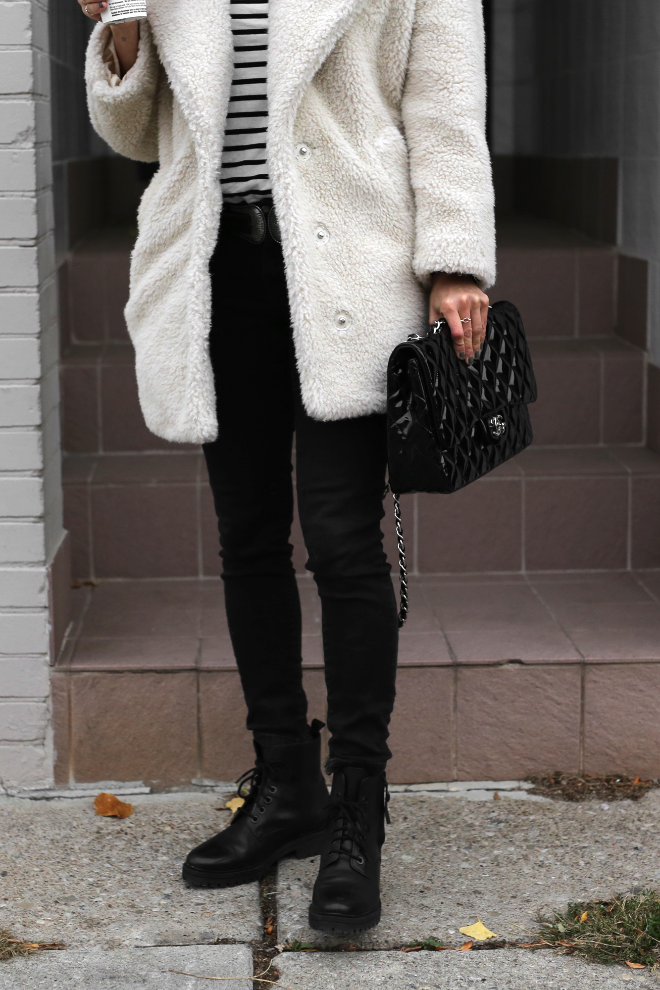Fuzzy Topshop coat, striped top, black skinny jeans and patent leather Chanel jumbo bag street style - rocker chic - parisian style - french style_2919.jpg