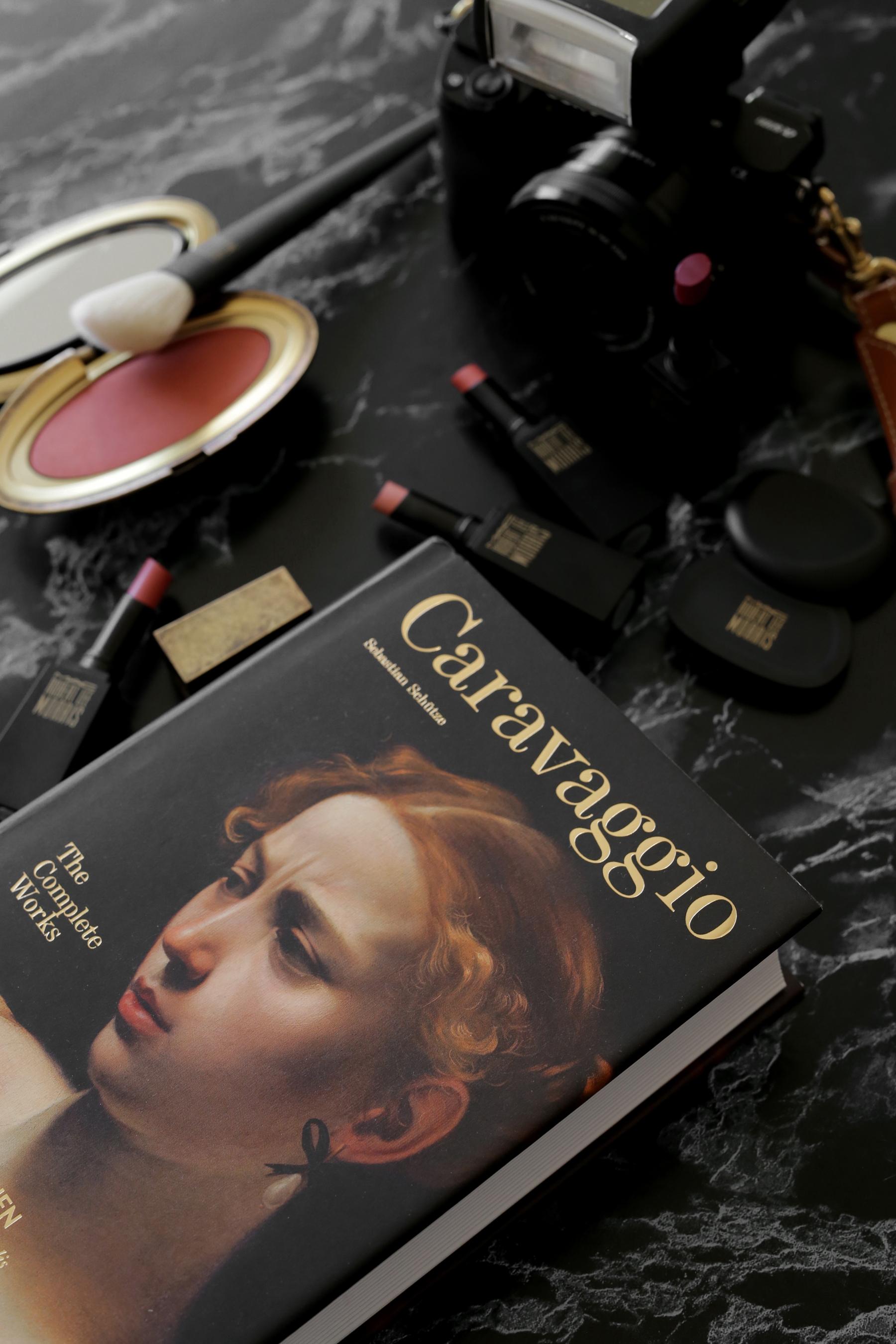 MAC x Robert Lee Morris makeup collection 2017 lipstick, blush, powder, compact, brush, beauty_5569.jpg