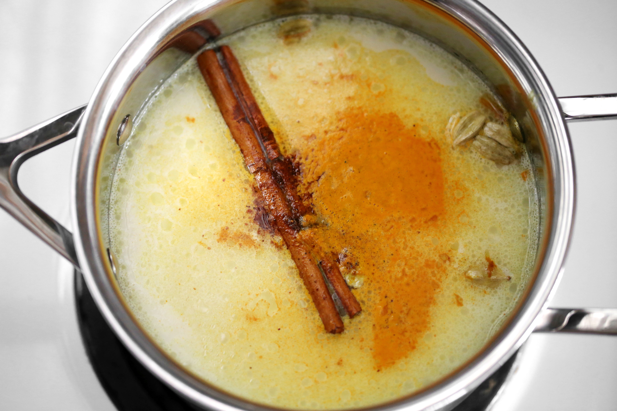 Ginger Turmeric and Cardamom Latte Tea with Manuka Honey- Vegan - All Natural Recipe - woahstyle.com - Nathalie Martin_6578.jpg