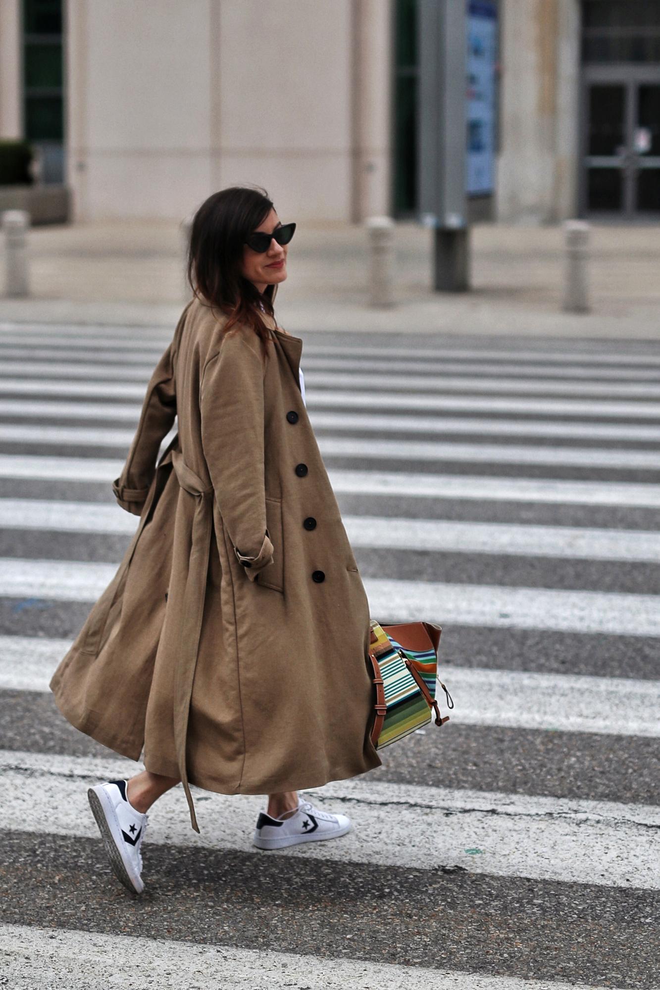 woahstyle.com 2018 - zara linen trench coat, free people cut off shorts, converse one stars, loewe striped small hammock bag, white button up shirt - toronto street style - hotel x - nathalie martin 7.jpg