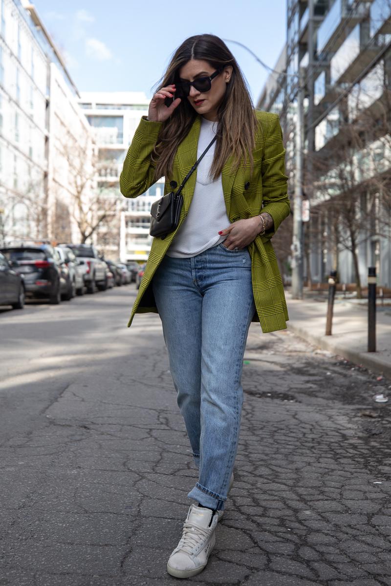 nathalie martin, robert rodriquez plaid blazer, 3.1 Phillip Lim top, Aritiza Denim Forum ex boyfriend jeans, Saint Laurent Wallet on a string crossbody and high top canvas sneakers, street style - woahstyle.com_7636.jpg