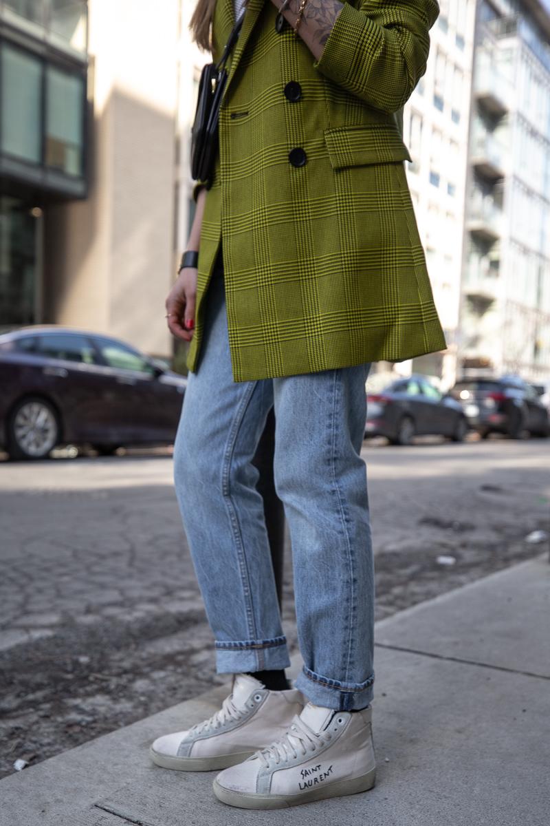 nathalie martin, robert rodriquez plaid blazer, 3.1 Phillip Lim top, Aritiza Denim Forum ex boyfriend jeans, Saint Laurent Wallet on a string crossbody and high top canvas sneakers, street style - woahstyle.com_7693.jpg