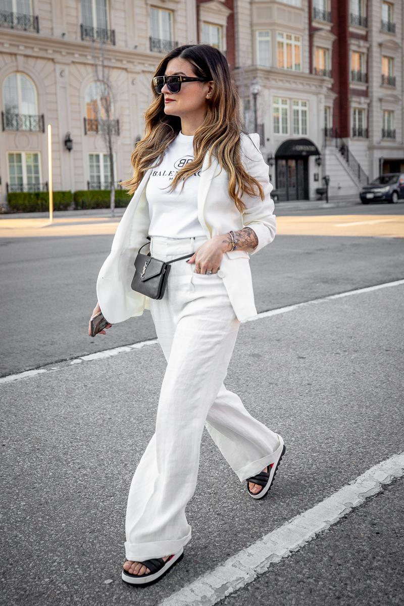 Nathalie Martin, Balenciaga Mode logo t-shirt, Zara white linen women's suit, Cougar Pippy sandal, Saint Laurent belt bag, street style, woahstyle.com_8609.jpg