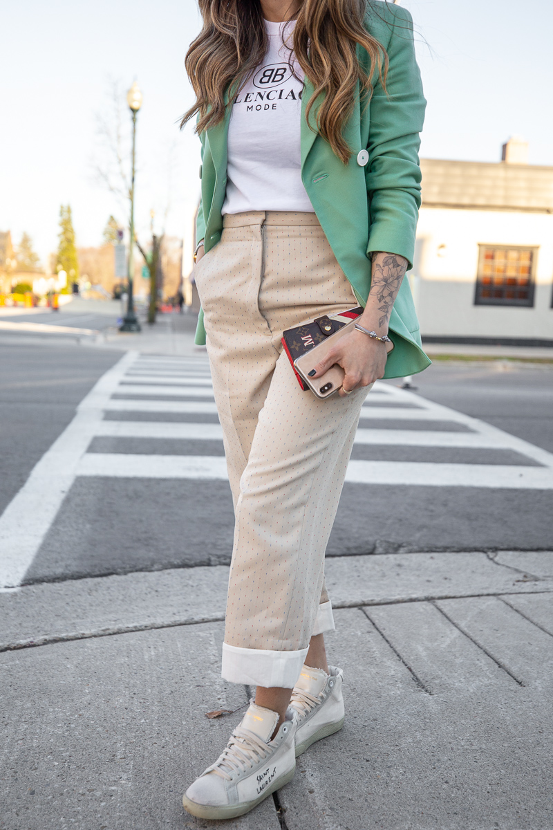 Nathalie Martin, Balenciaga Mode logo t-shirt, Sandro green blazer, beige pants with wide cuff, street style, woahstyle.com_8484.jpg