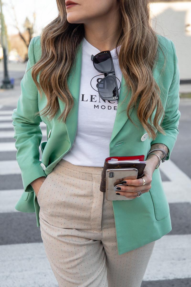 Nathalie Martin, Balenciaga Mode logo t-shirt, Sandro green blazer, beige pants with wide cuff, street style, woahstyle.com_8532.jpg