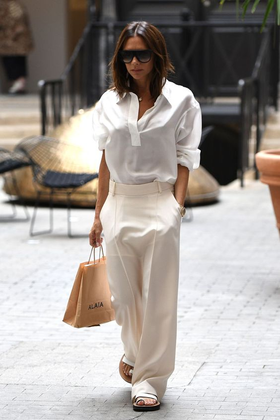 28 Of The Best Victoria Beckham Outfits 8.jpg
