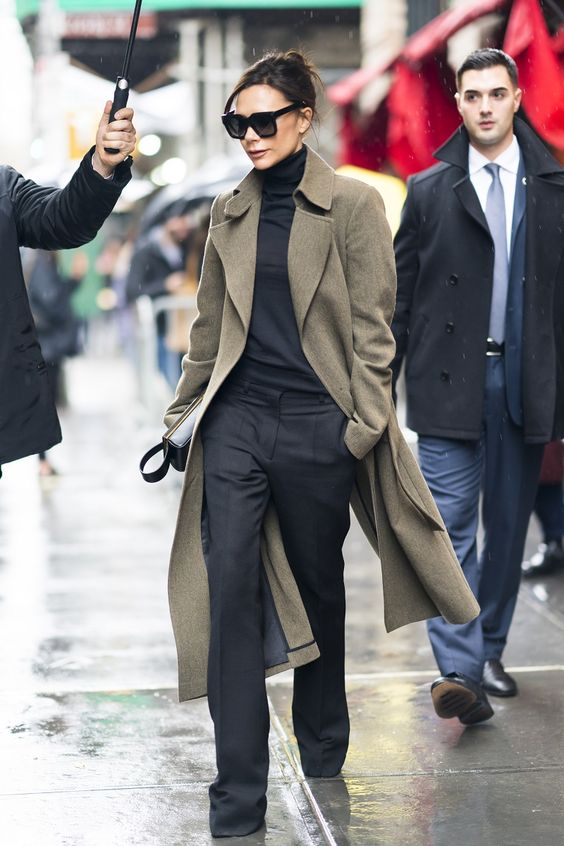 28 Of The Best Victoria Beckham Outfits 12.jpg